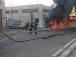 Bus incendiato