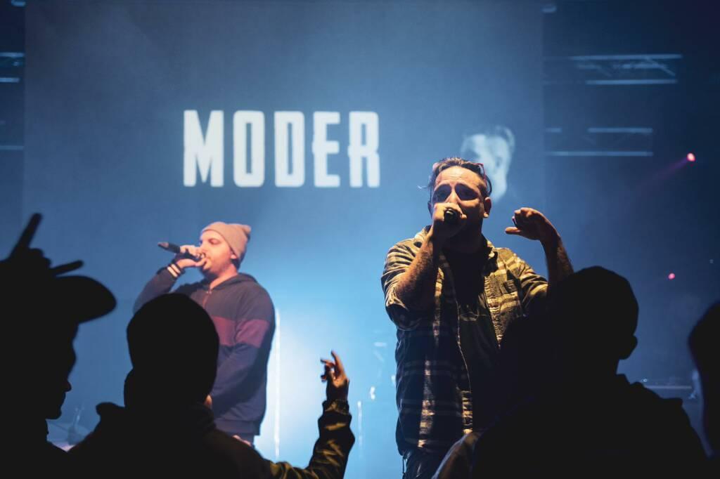 Moder_Live 2