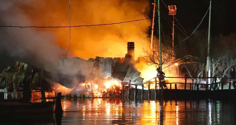 Incendio Isola degli Spinaroni