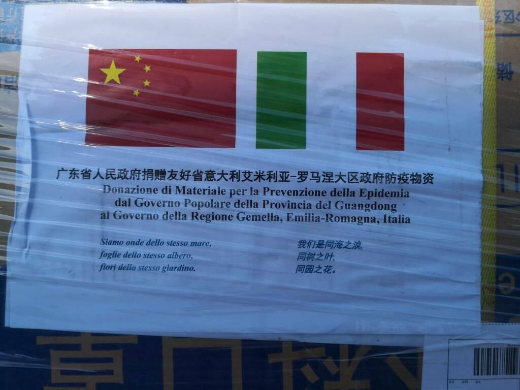 mascherine dalla cina all'emilia romagna in dono: il messaggio della Provincia del Guangdong che accompagna il carico