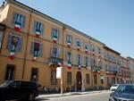 """Tricolore alle finestre di Confcommercio Ravenna: """"omaggio a chi sta facendo sacrifici per il bene comune"""""""
