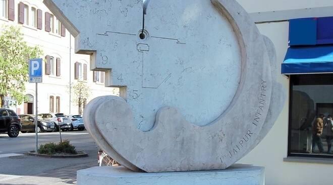 Monumento 10 aprile Lugo