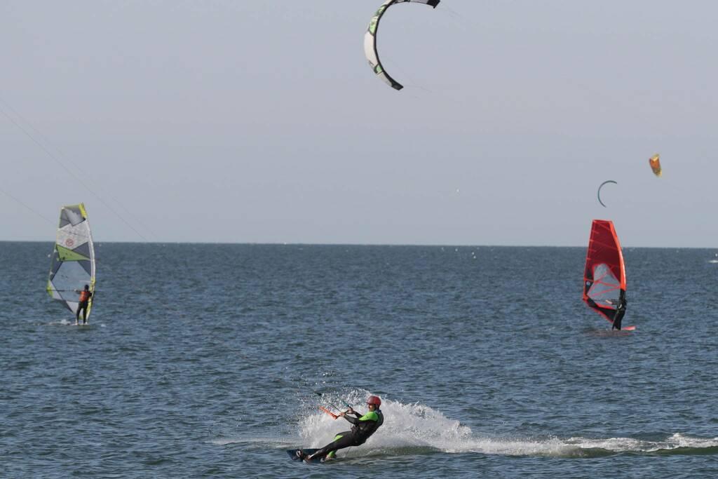 Canoe, Kite e Wind surf tornano in acqua a Punta Marina e Porto Corsini