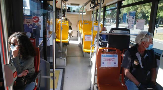 fase 2 mezzi pubblici autobus