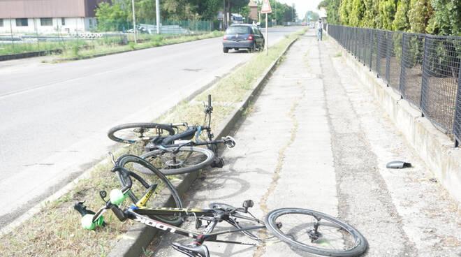 incidente ciclisti fusignano