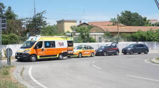 Scontro tra ciclisti nel sottopasso di Lugo: uno è grave