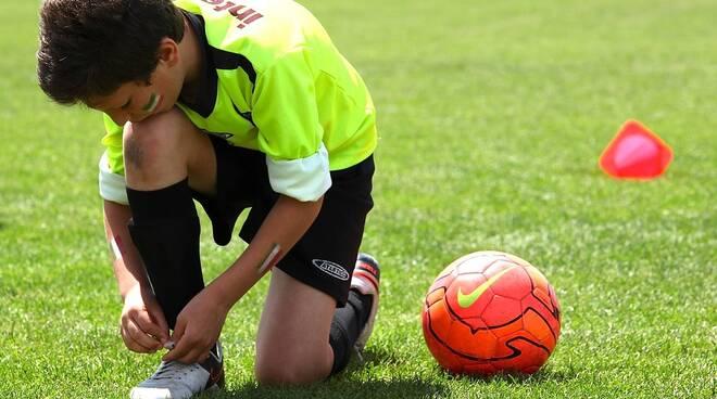 calciatore bambino calcio