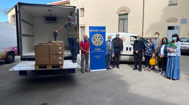 Il Rotary Club Forlì dona pasti per sei mesi alla mensa dei poveri San Francesco