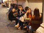 Ravennati a passeggio per il centro storico durante la prima serata di Ravenna Bella di Sera