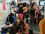 assembramenti in treno - luglio 2020