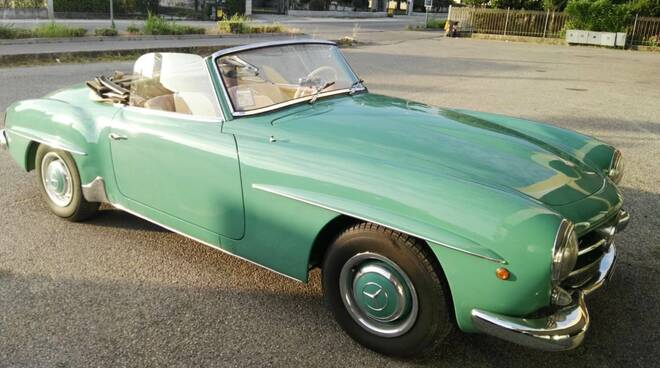 auto d'epoca - mercedes 190 sl del 1958
