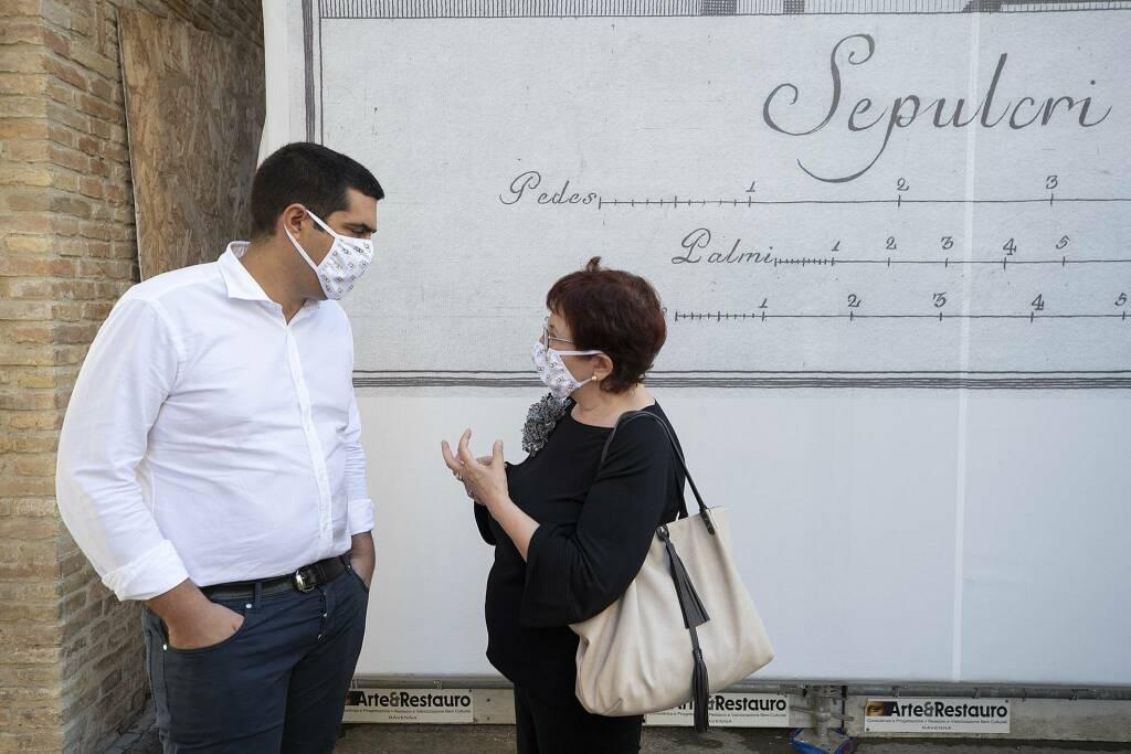 Eike Schmidt a Ravenna: il Direttore delle Gallerie degli Uffizi visita la Tomba di Dante
