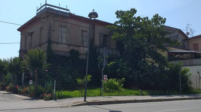 Voltana_Edificio pericolante