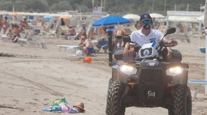 La Polizia Locale controlla le spiagge dei lidi ravennati