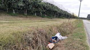 rifiuti abbandonati nel fosso a Formellino