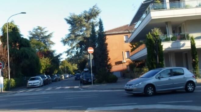 """Ancisi (LpRa): """"Circolazione pericolosa in via Felisatti, ignorato il senso vietato"""""""