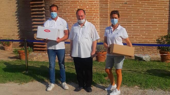 Classe, Cuore e Territorio consegna un altro carico di alimenti per i 'nuovi poveri' della crisi da Covid-19