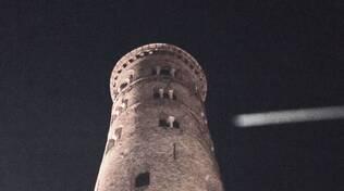 Scatta una foto ai monumenti di Ravenna e intercetta la cometa