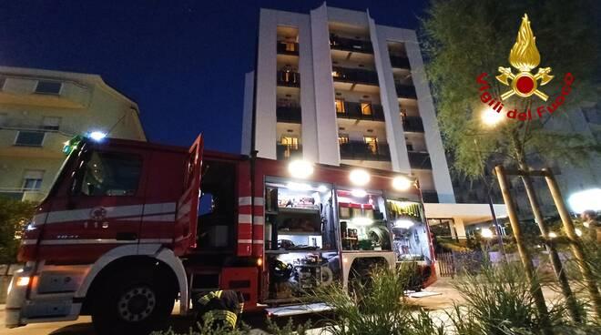 Vigili del Fuoco di Rimini- incendio lavanderia