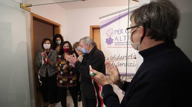 Beni sequestrati alla criminalità organizzata: don Luigi Ciotti ha inaugurato immobili destinati al Comune di Ravenna