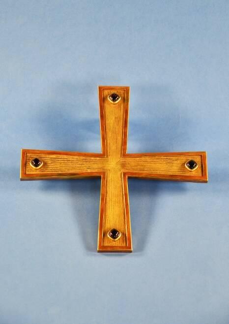 croce donata nel 1965 da Paolo VI per la tomba di Dante