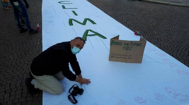 """Forlì """"Unita per il clima"""": gli attivisti Fridays for Future"""