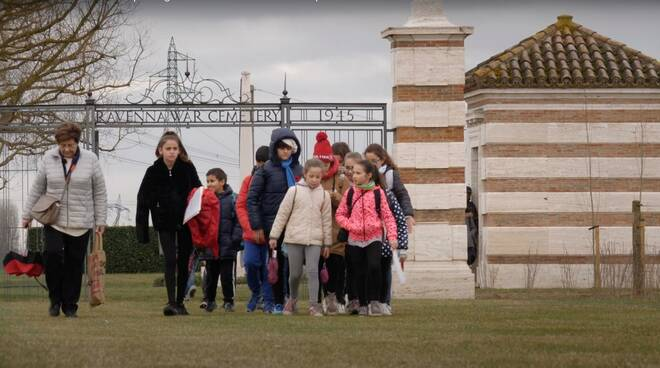 Premio internazionale a un documentario con protagonisti i ragazzi della primaria di Bagnacavallo