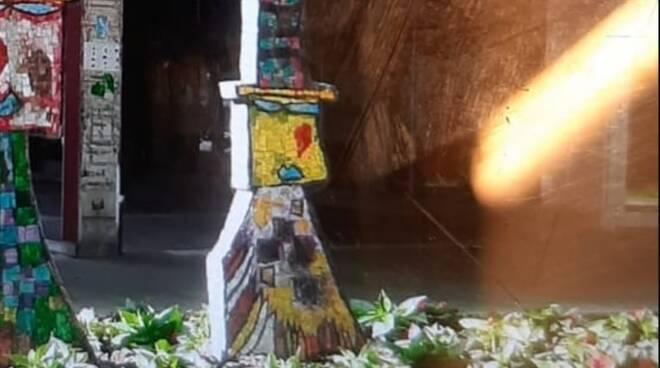 scultura mosaico rubata a cervia - ottobre 2020
