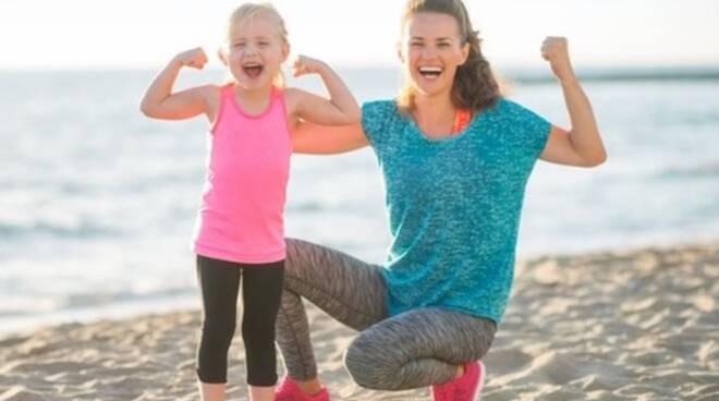 sport - benessere - mamma e figlia - bambina