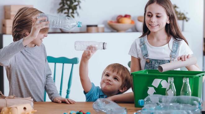 bambini ambiente riciclo