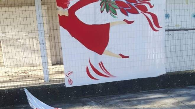 lavezzola opera vandalizzata