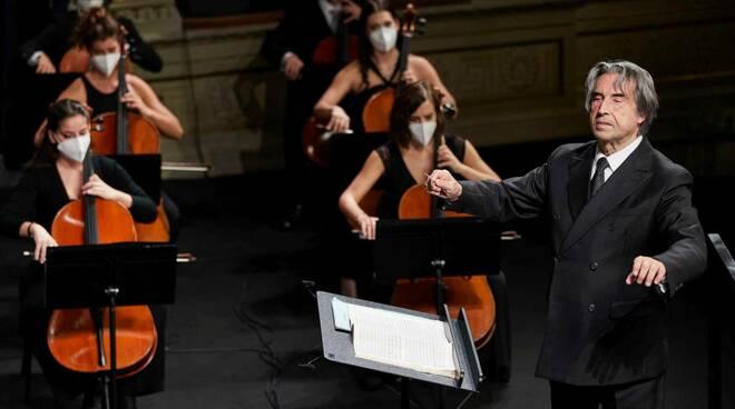 Riccardo Muti e l'orchestra Cherubuni