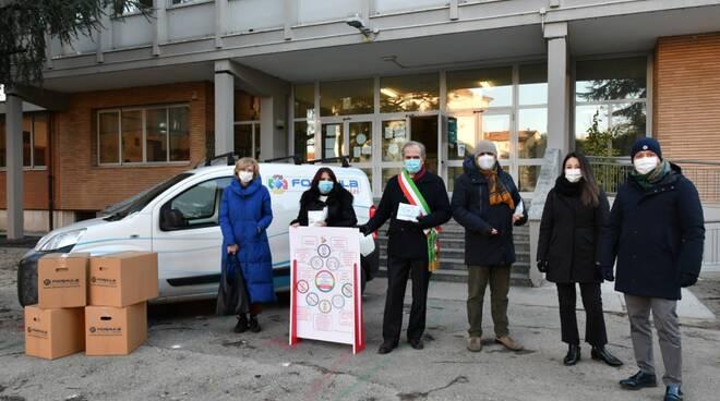 Formula servizi - spray disinfettante per le scuole di Forlì e Cesena