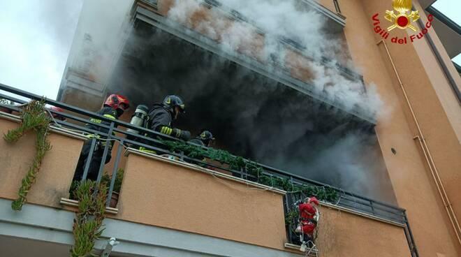 Riccione-incendio terrazzo