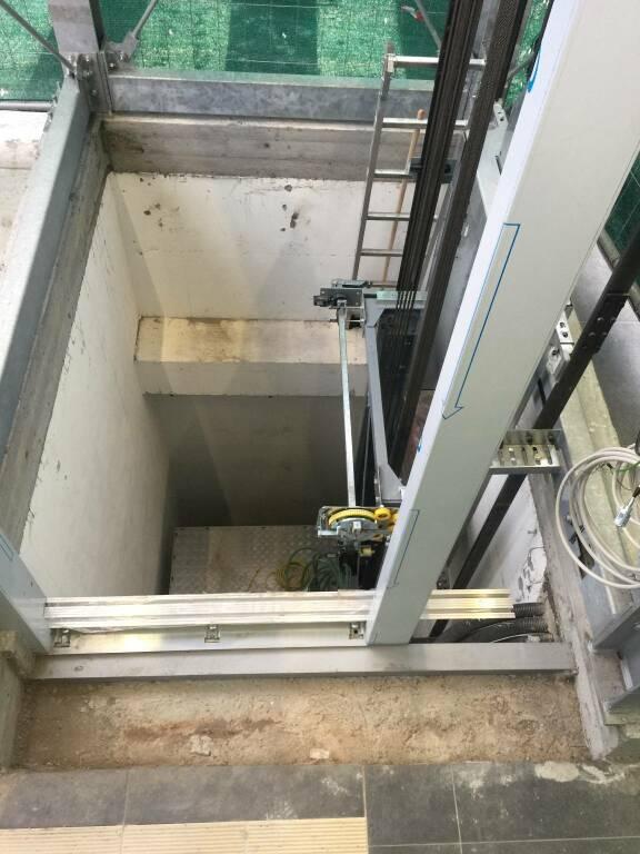 ascensore - sottopassaggio ferroviario Darsena