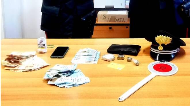 carabinieri riccione -soldi droga