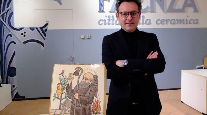 il saluto del sindaco Massimo Isola al 'mondo' ceramico