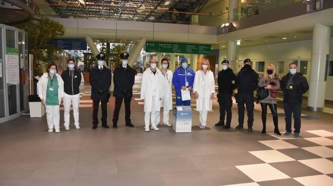 prime dosi vaccino Moderna arrivate in Romagna all'ospedale di Forlì