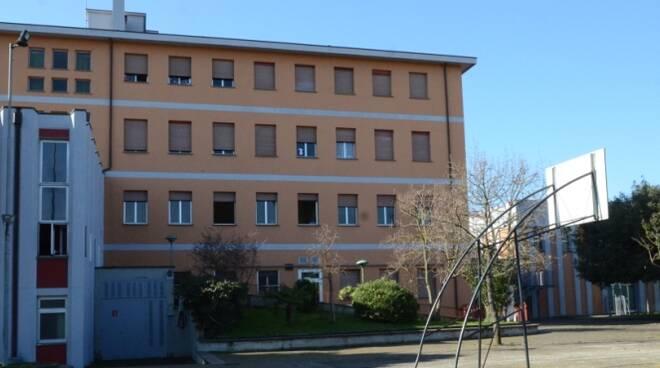 scuola maria ausiliatrice Lugo  - cortile primaria