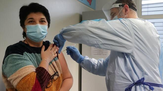 vaccinazioni coronavirus al cmp di ravenna covid 19