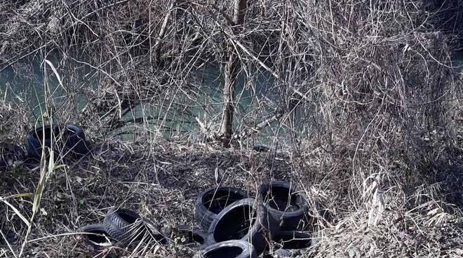 Discariche abusive lungo il fiume Marzeno