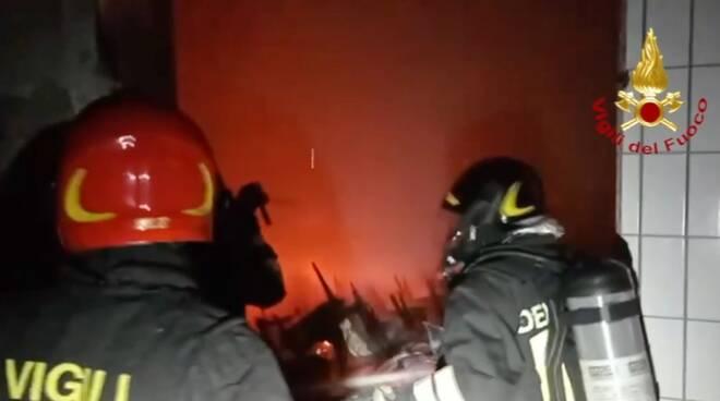 intervento Vigili del Fuoco ex mattatoio rimini  - fiamme