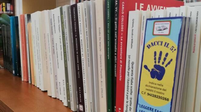 Massa Lombarda: donati 60 nuovi libri a grandi caratteri per ipovedenti al Centro Culturale Venturini