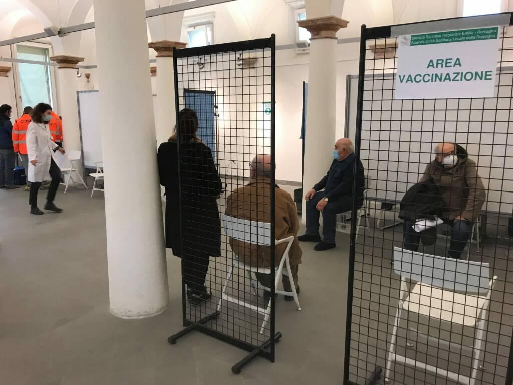 primi vaccini alfonsine vaccinati palazzo marini
