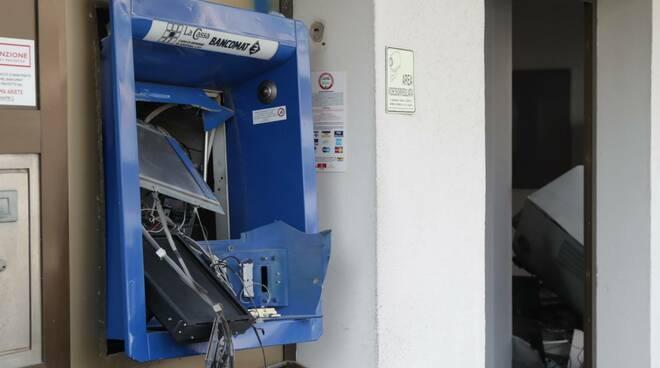 assalto al bancomat della Filiale de LA CASSA a  Lido di Ravenna - 23 marzo 2021