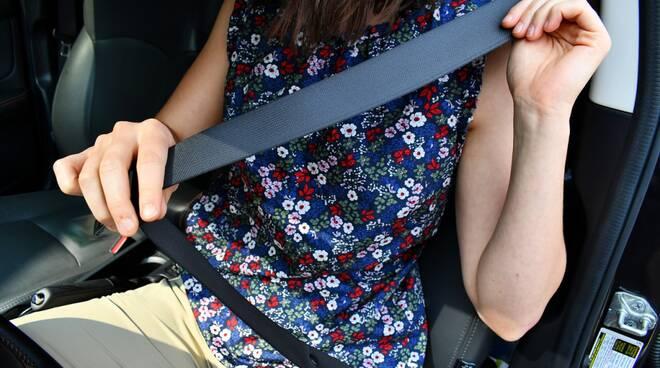 cintura sicurezza auto
