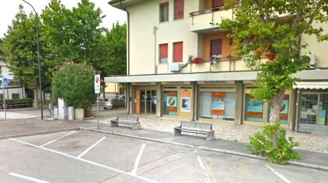filiale Unicredit di Casalborsetti.