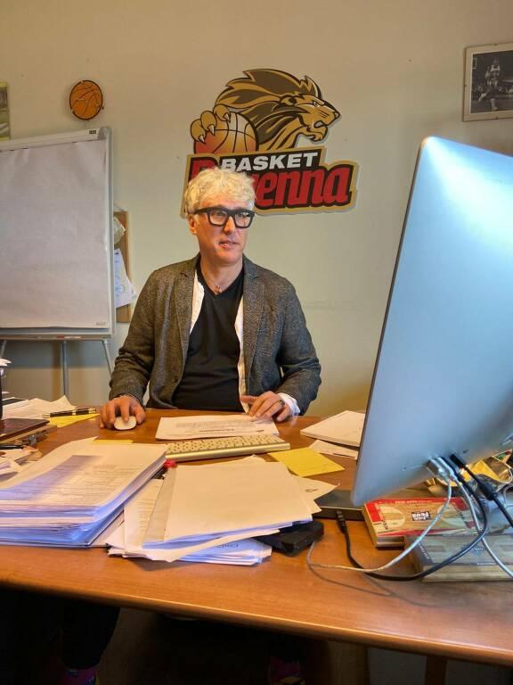 Il General Manager di OraSi Basket Ravenna Julio Trovato incontra gli studenti del Ginanni