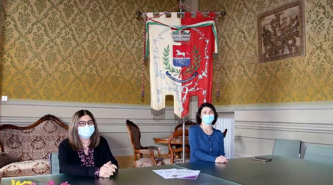 la sindaca di Bagnacavallo Eleonora Proni e l'assessora alle Pari Opportunità Ada Sangiorgi