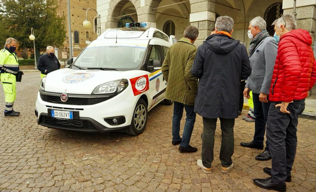 Fiat Doblò adibito al trasporto disabili,